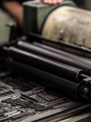 OZNÁMENÍ O ZAHÁJENÍ VEŘEJNÉ ZAKÁZKY – Tiskárna ZŠ Chýně